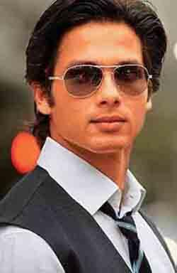 Shahid Kapoor Wearing Glasses In Mausam
