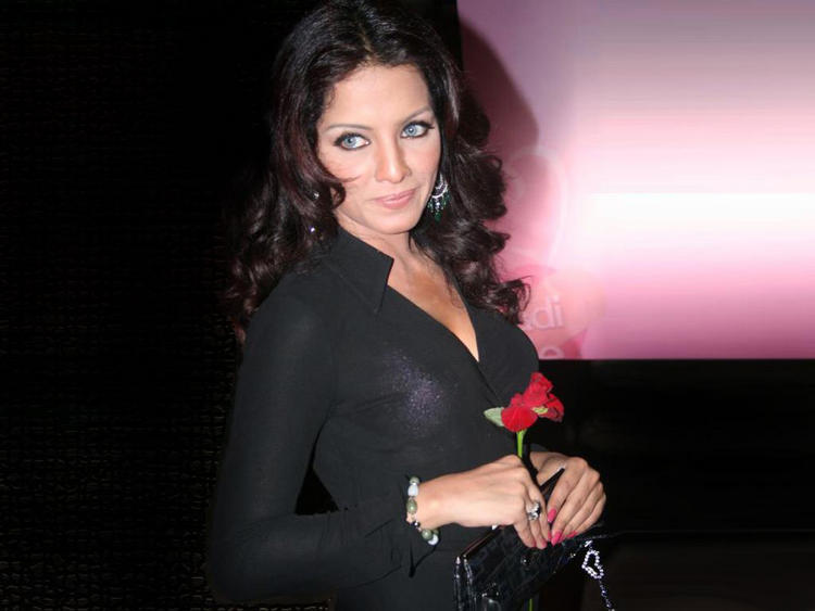 Celina Jaitley Black Dress Sexy Look Pic