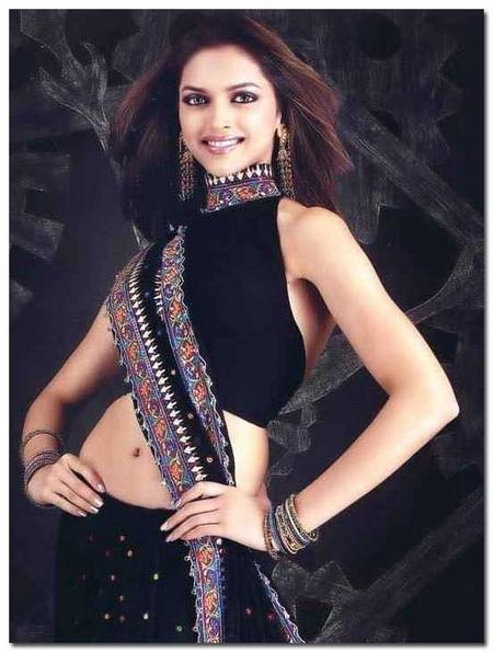 Deepika Padukone Sexy Black Saree Still