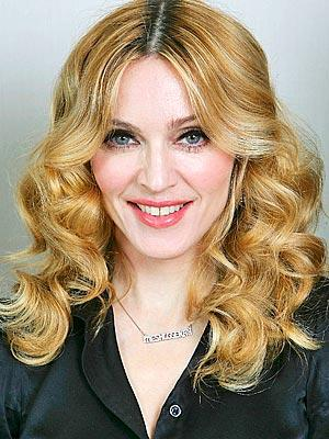 Madonna Brown Curly Hair Style Pic