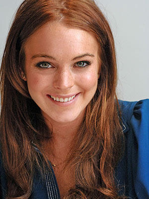 Lindsay Lohan Sweet Smiling Face Look Still