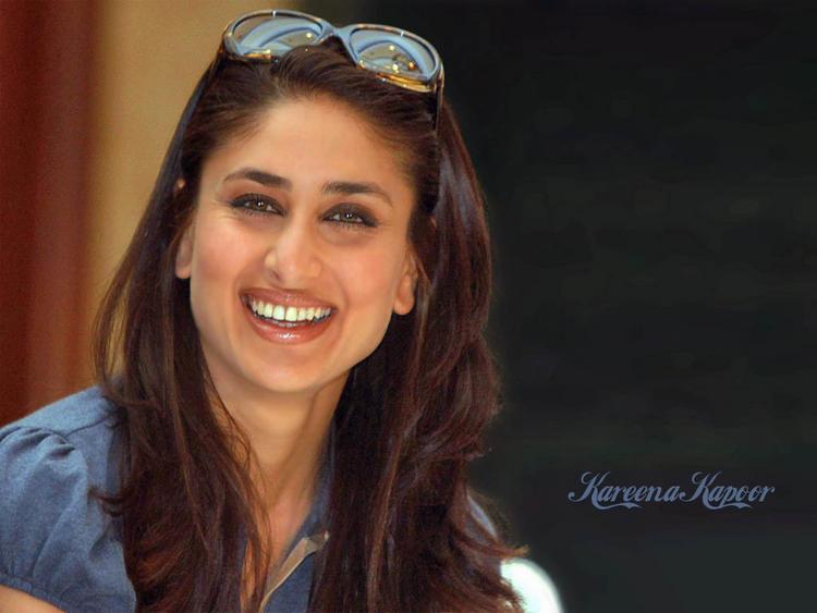Kareena Kapoor Latest Cute Smile Pic