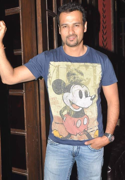 Rohit Roy Glamour Look At The Party
