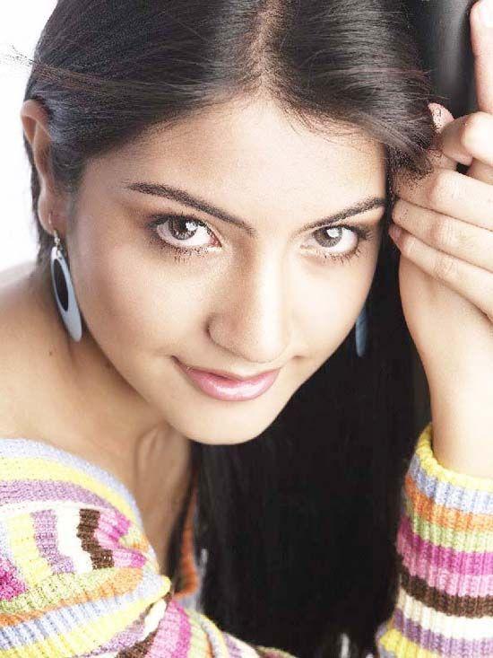 Anushka Sharma Sexy Eyes Look Pic