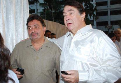 Rishi With Brother Randhir Kapoor  Nice Photo