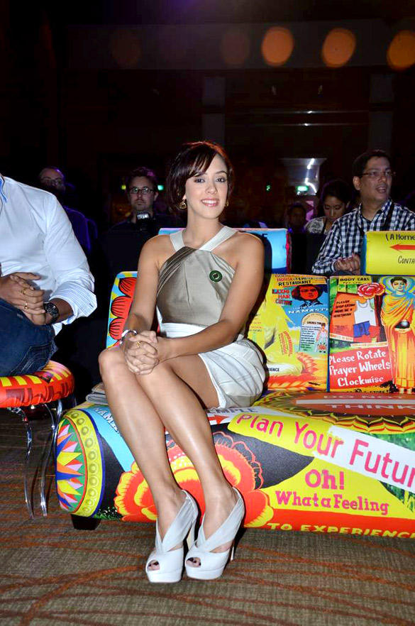 Hazel Keech at IIFA 2012 Singapore Press Conference