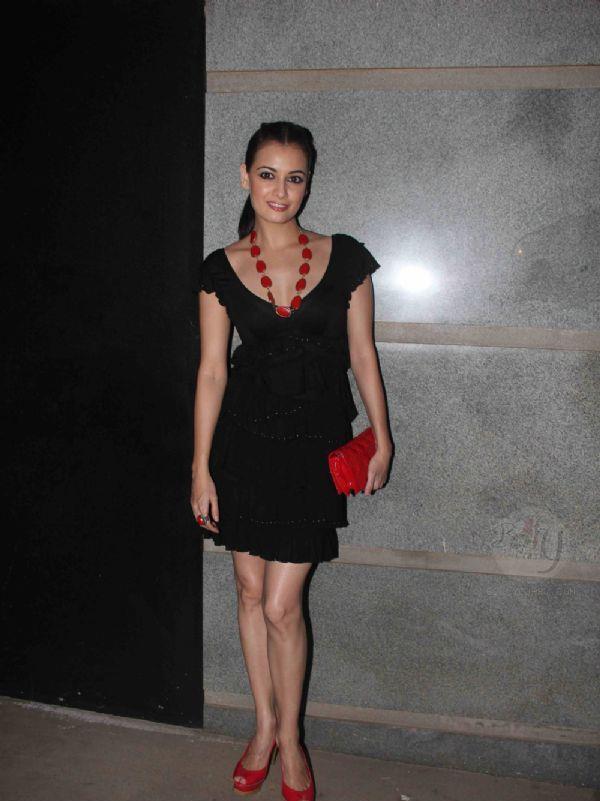Dia Mirza Sexy Look Photo In A Mini Black Dress At Jackky Bhagnani Birthday Bash