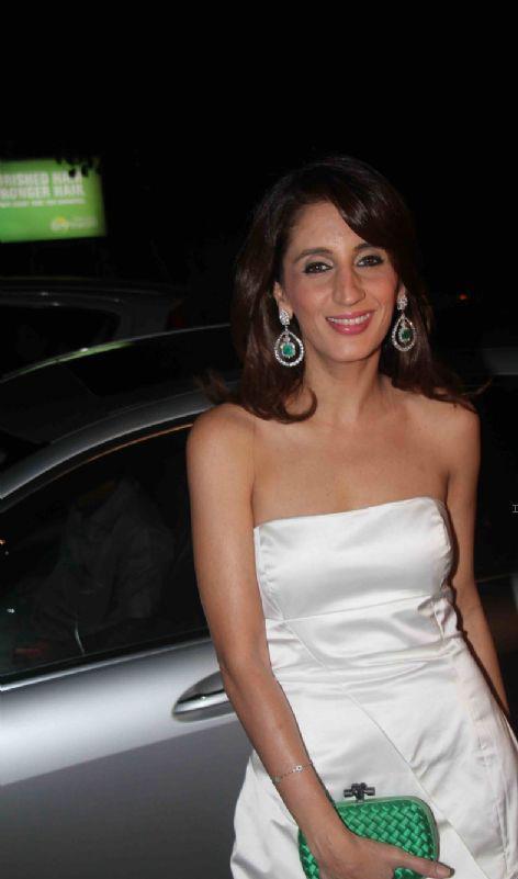 Farah Khan Ali Looked Sexy At Jackky Bhagnani Birthday Bash