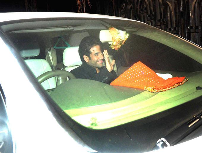Tusshar Kapoor In Car Smiling Still At Ritu Nanda New Year Bash