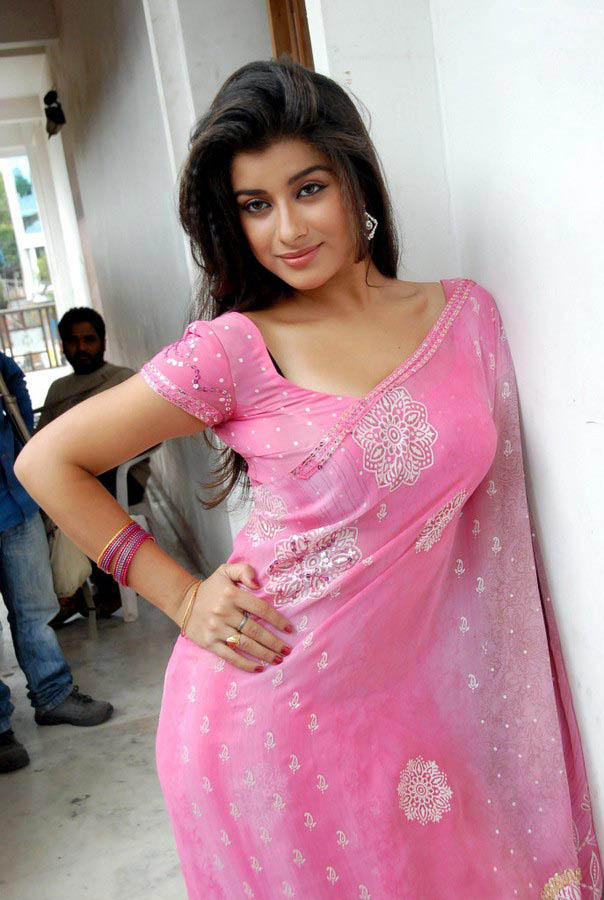 Madhurima Looked Radiant And Beautiful Still In Pink Saree