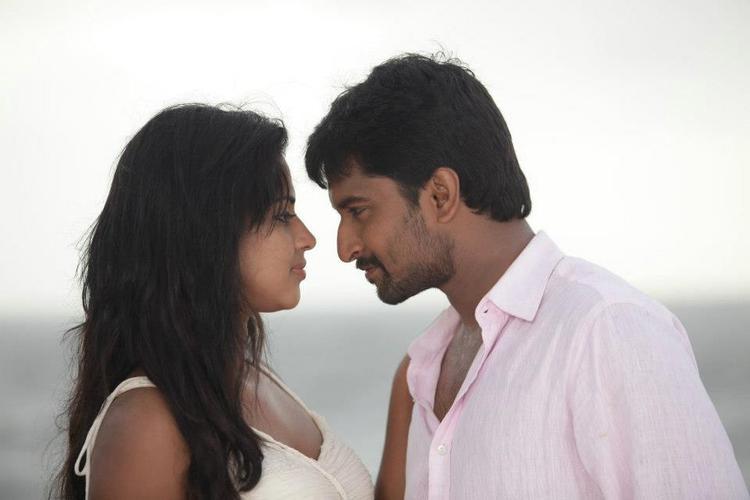 Nani And Amala Awesome Chemistry Look Photo From Movie Jenda Pai Kapiraju