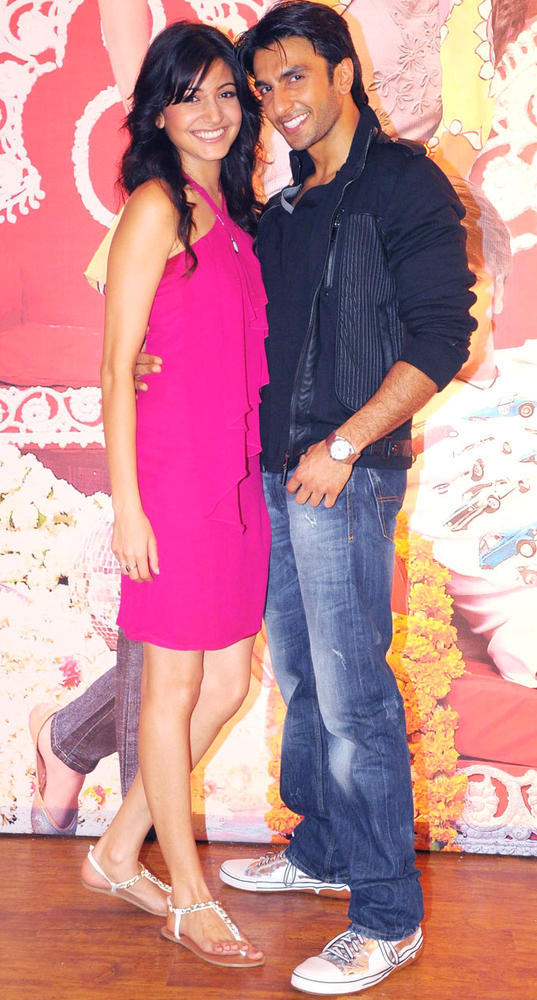 Ranveer And Anushka Cosy Smiling Pose For Camera