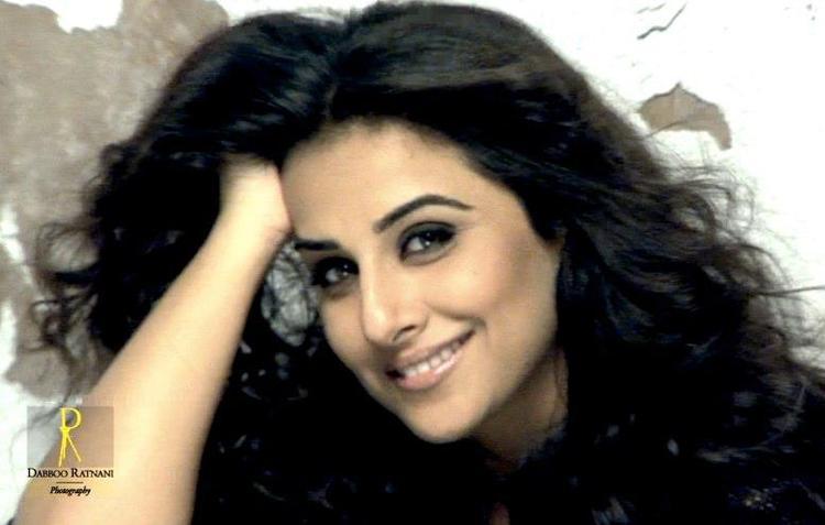 Vidya Balan Cute Face Look Photo Shoot For Dabboo Ratnani 2013 Calendar