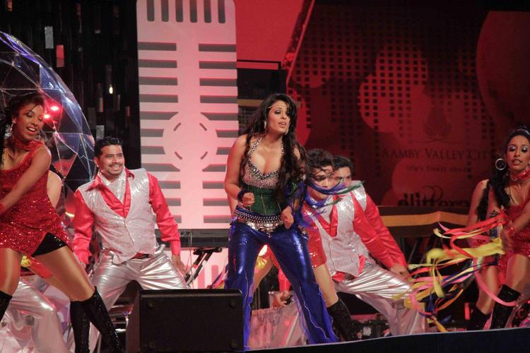 Anjana Sizzling Performance At Glitterati 2013 Aamby Valley City On New Year