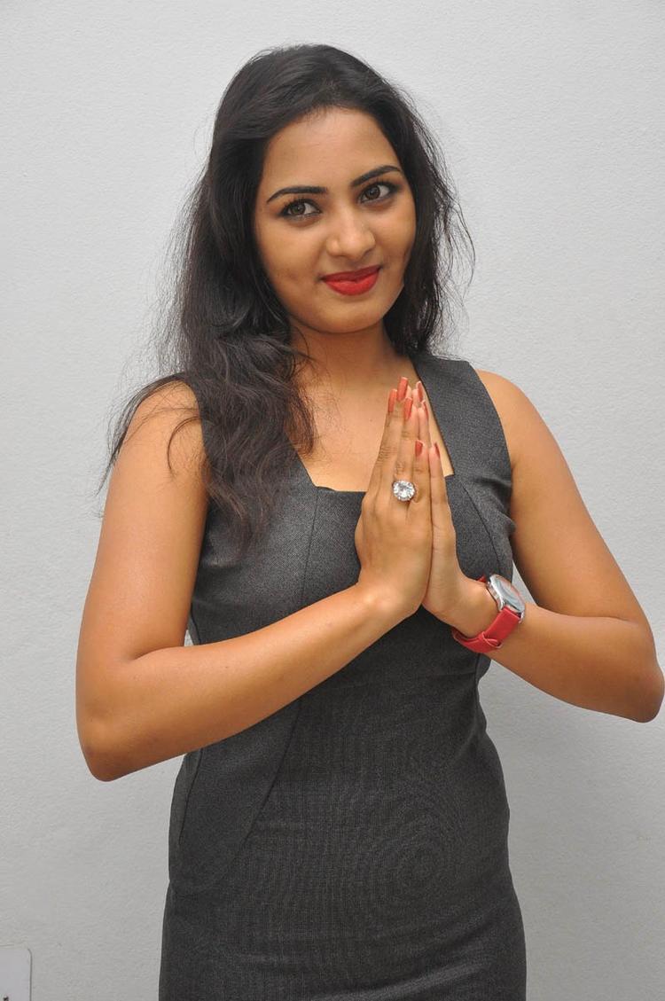 Sruthi Greets Her Fans Still