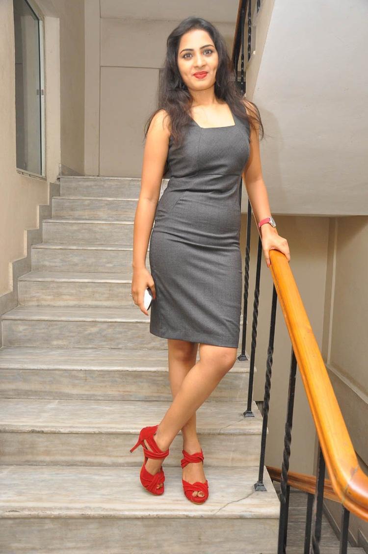 Sruthi Nice Pose On Stairs Still