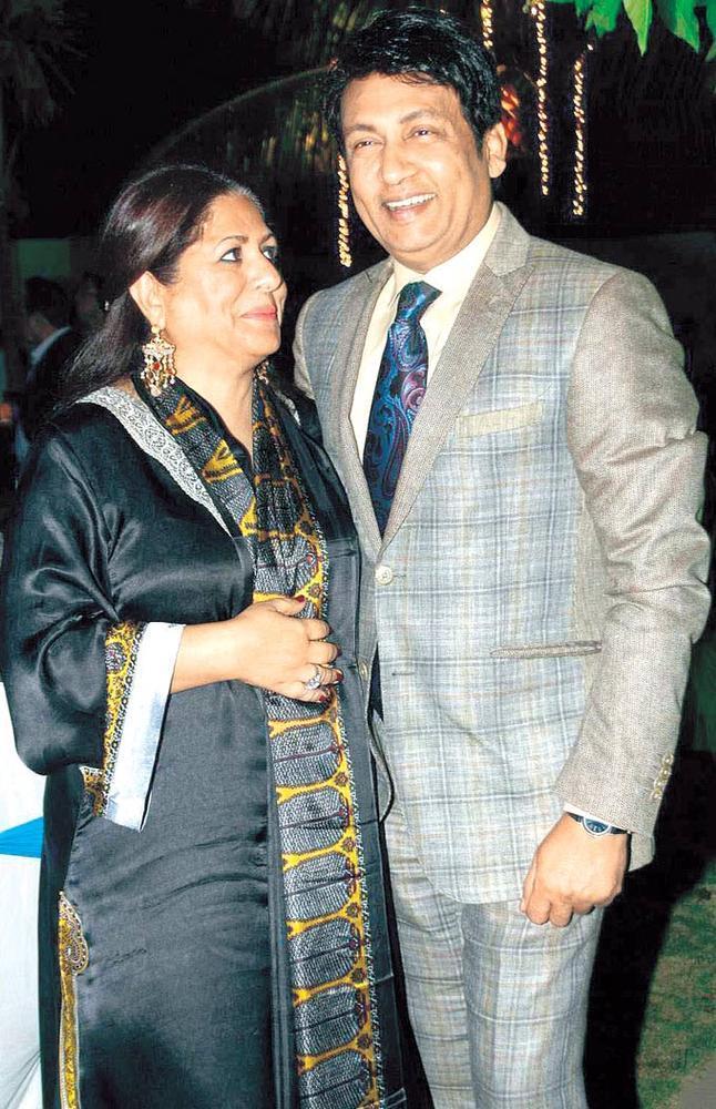 Shekhar Suman With Wife Alka Present In Surendra Wadhwanis Birthday Bash