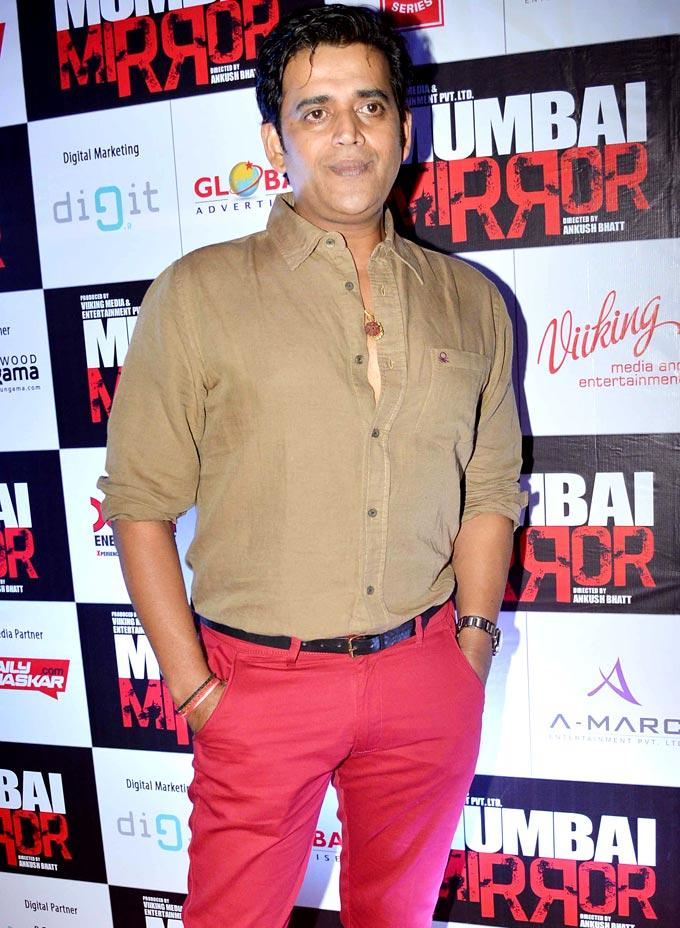 Ravi Kissen Photo Clicked At Mumbai Mirror Screening