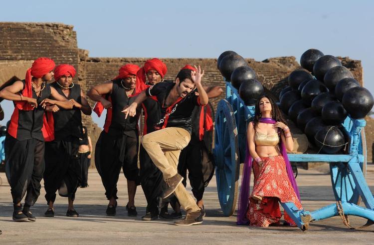 Ram And Kriti Dancing Photo From Telugu Movie Ongole Githa