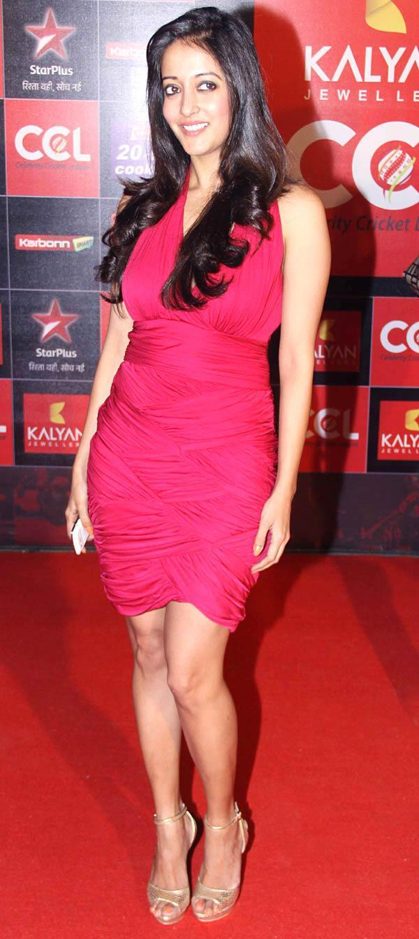 Raima Sen Posed At The CCL Season 3 Red Carpet
