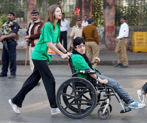 Kalki Koechlin Snapped at Mumbai Marathon