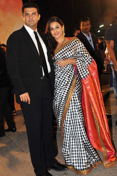 Siddharth With Wife Vidya Spotted At Filmfare Awards 2013