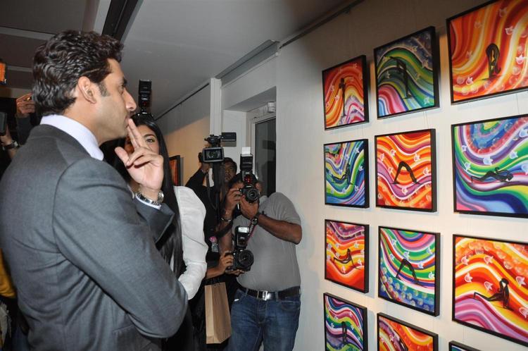 Abhishek Photo Clicke During Enjoy The Art At Art Exhibition Of Radhika Goenka