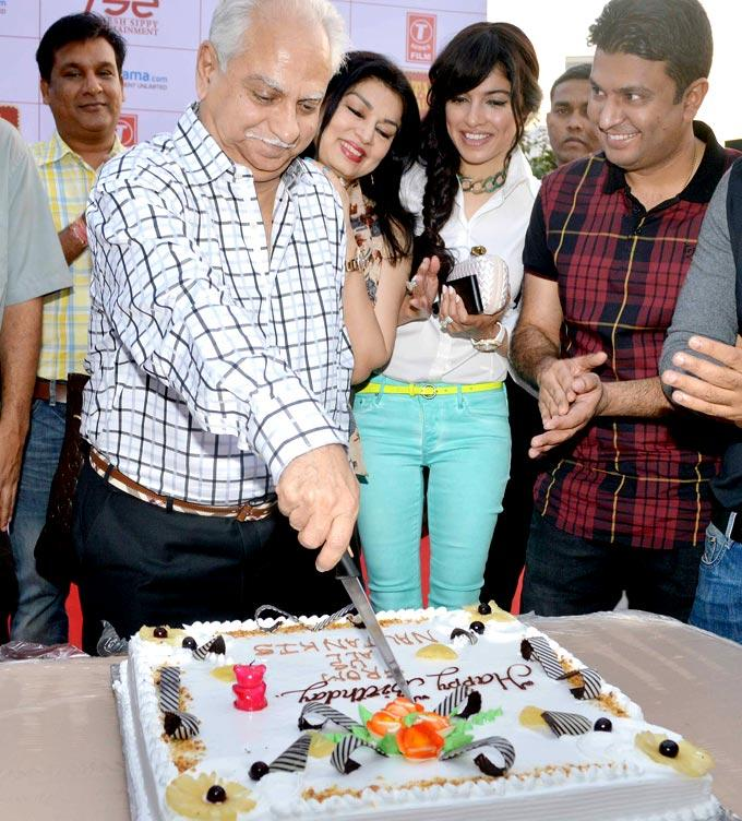 Ramesh Cuts The Cake As Kiran,Pooja And Bhushan Look On At First Look Launch Of Nautanki Saala