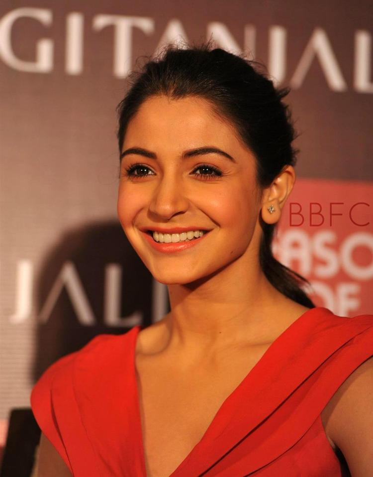 Anushka Flashes A Cute Smile At The Launch Of Season Of Love Range By Gitanjali Jewels