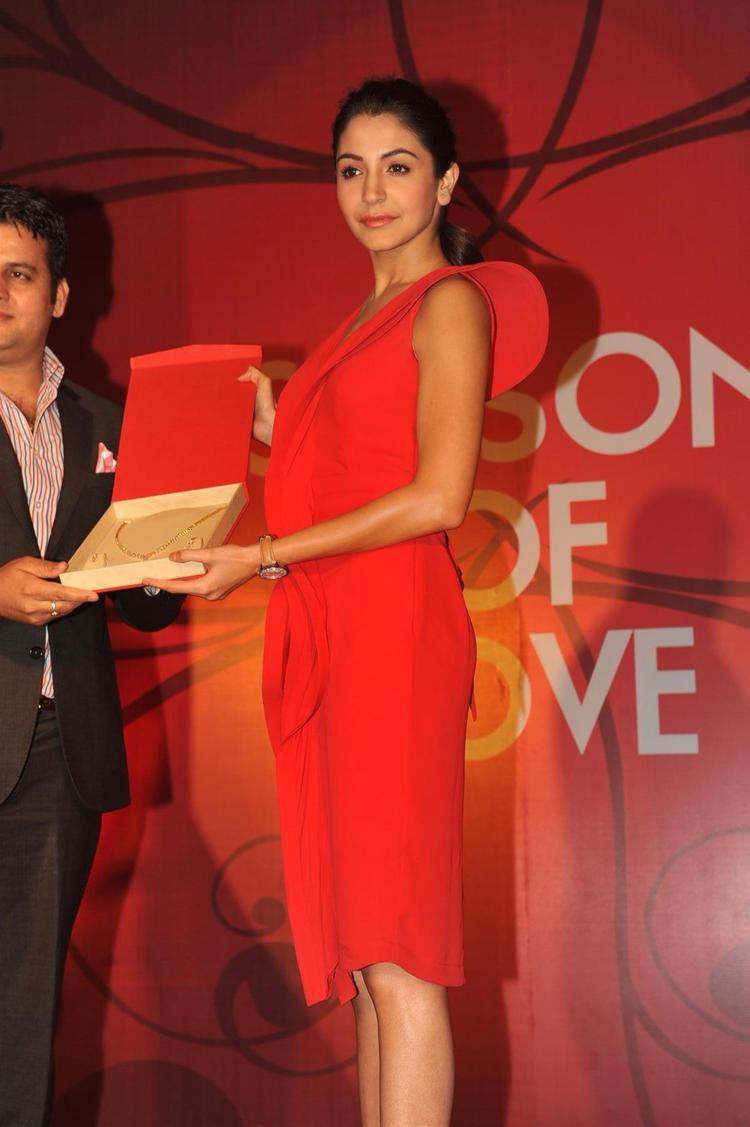 Anushka Launches The Season Of Love Range By Gitanjali Jewels