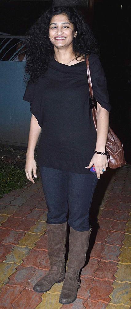 English Vinglish Director Gauri Shinde Smiling Photo Clicked In  Black Dress