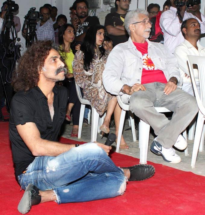 Naseeruddin And Makarand Snapped At The Press Meet Of Movie Sona Spa