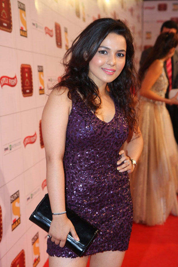 Chitrashi Looked Hot In A Mini Dress Pose For Camera At Stardust Awards 2013