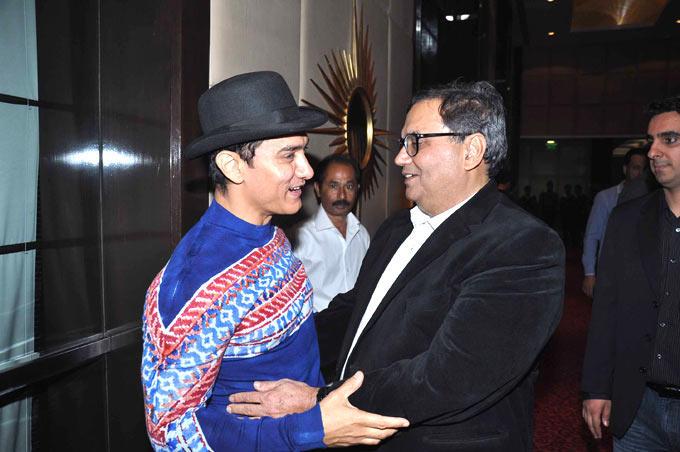 Aamir And Subhash Have A Chat At Subhash Ghai Birthday Bash