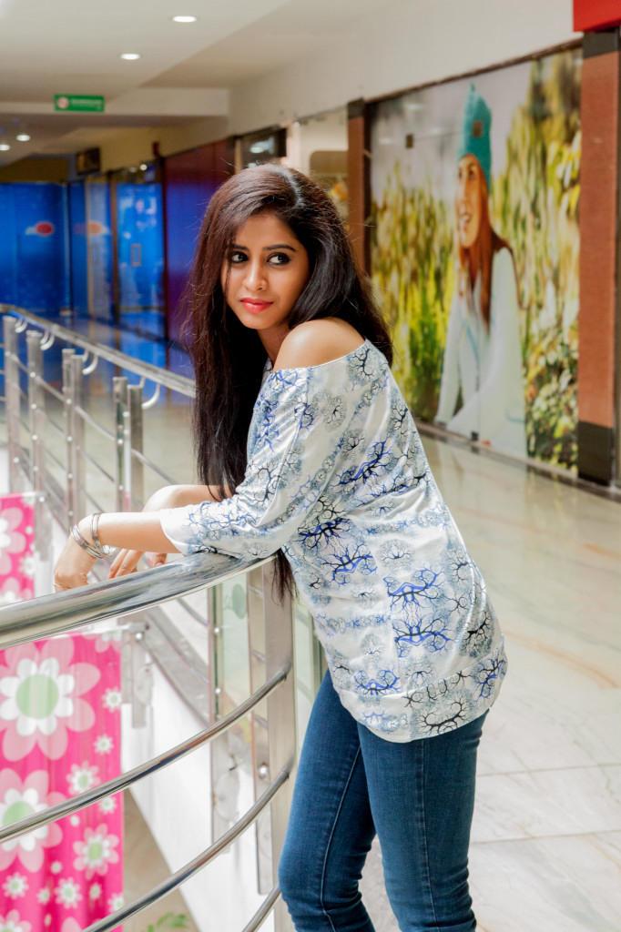 Swathi Deekshith Cool Look Pic
