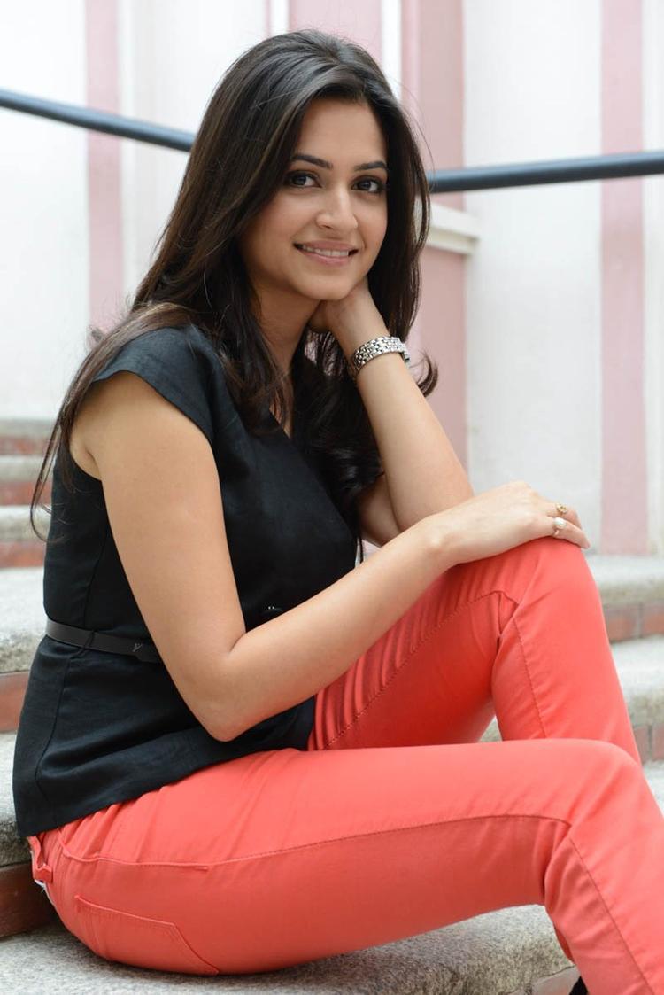 Kriti Kharbanda Cute Smiling Photo Pose At Ongole Githa Press Meet