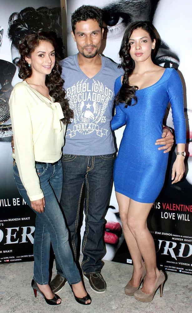 Aditi,Randeep And Sara Promote Murder 3