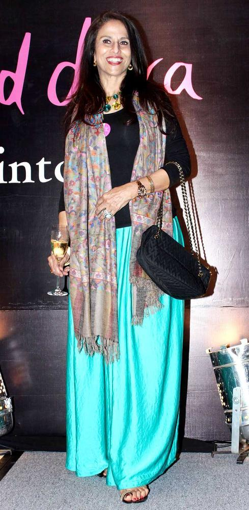 Shobha De Flashes Smile At Rochele Pinto Book Launch Event