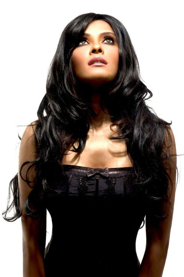 Nandana Sen Looked Ravishing In A Black Ensemble