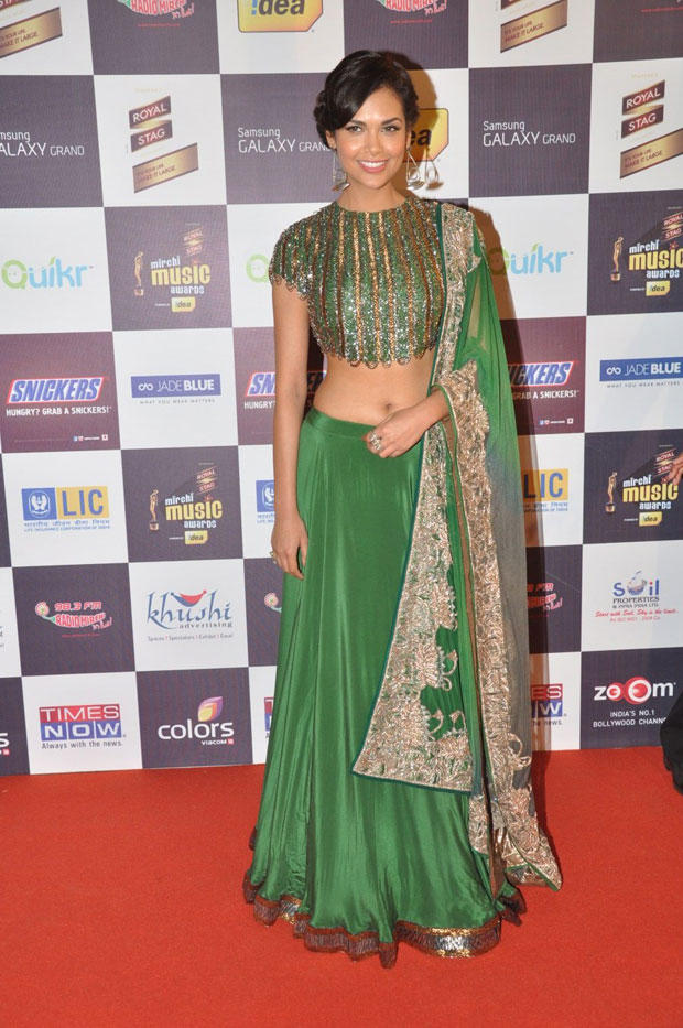 Esha Sizzling Look On Red Carpet At 5th Radio Mirchi Music Awards