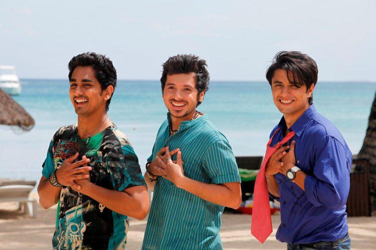 Ali,Siddharth And Divyendu Dancing A Song Still From Chashme Baddoor Movie