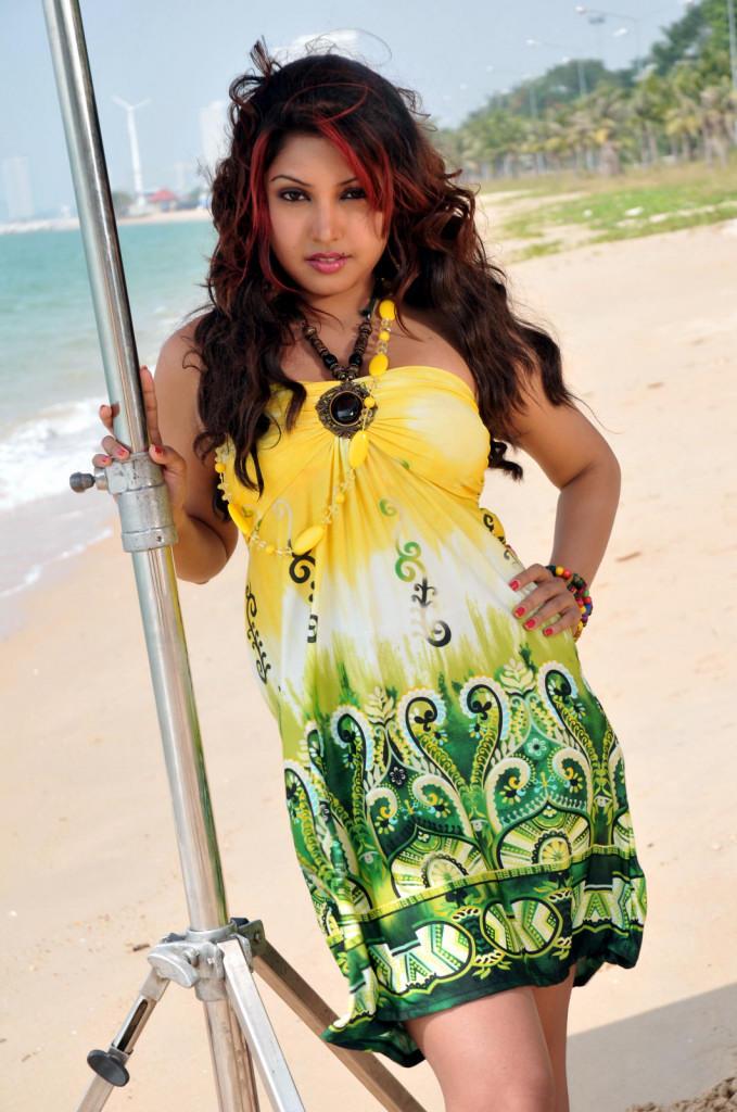 Komal Jha Glamour Look Still