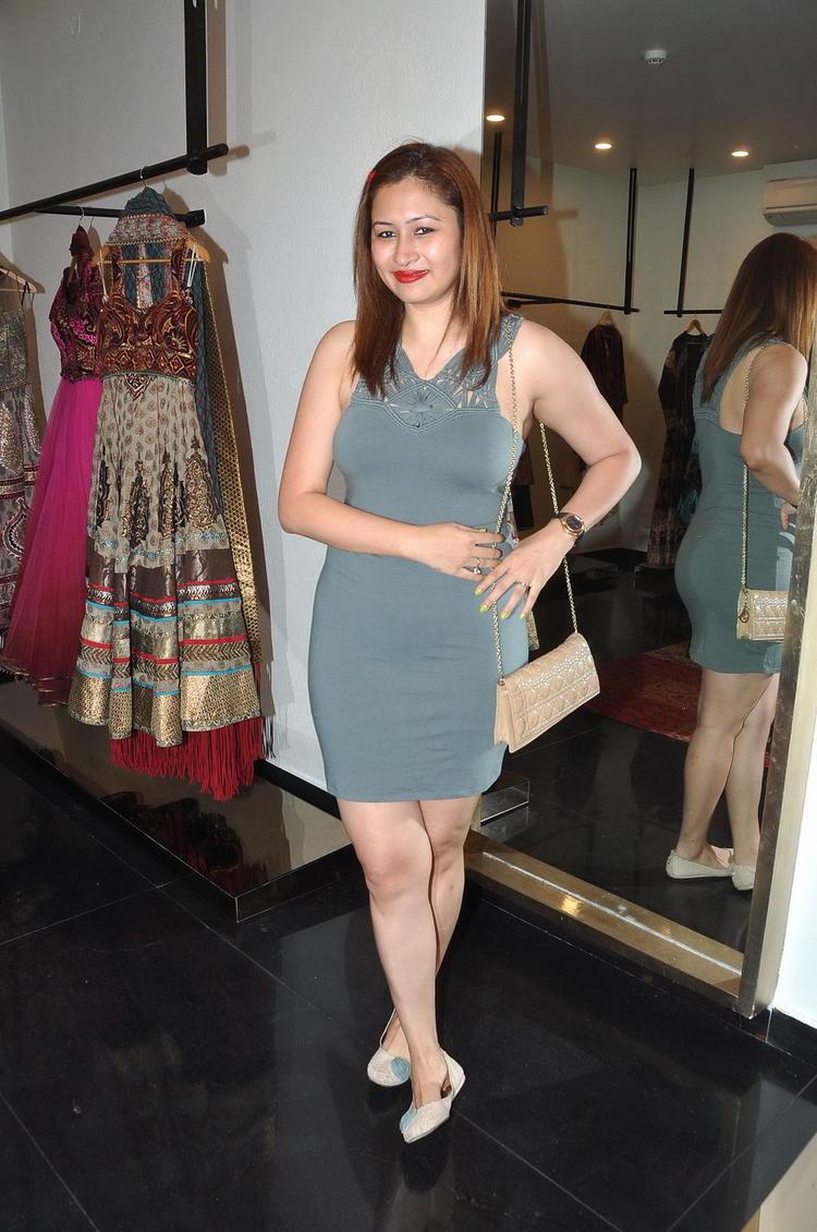 Jwala Gutta Hot Gorgeous Pic In A Mini Dress