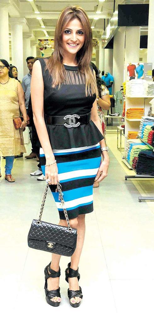 Tanaaz Doshi Makes A Style Statement  At The Launch Of RRO Cheese Bar
