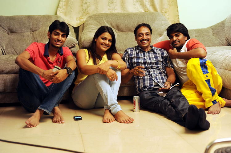 Mangam And Tashu Smiling Photo Still From Movie Gola Seenu