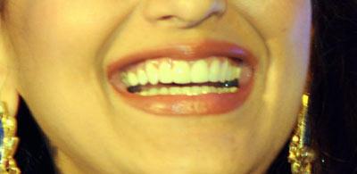 Sonali Bendre Cool Smiling Lip Look Still