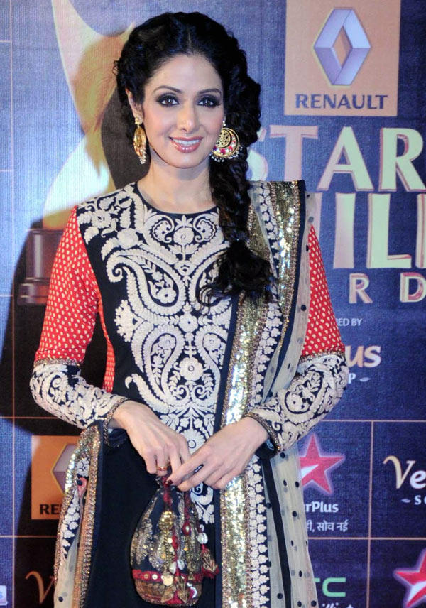 Sridevi Glamour Look At 8th Renault Star Guild Awards 2013