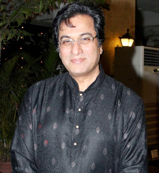 Talat Aziz Photo Clicked At Mushaira Hosted By Kapil Sibal And Anu Ranjan