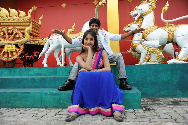 Jayanth And Sanjana Nice Look Pose Still From Siva Kesav Movie