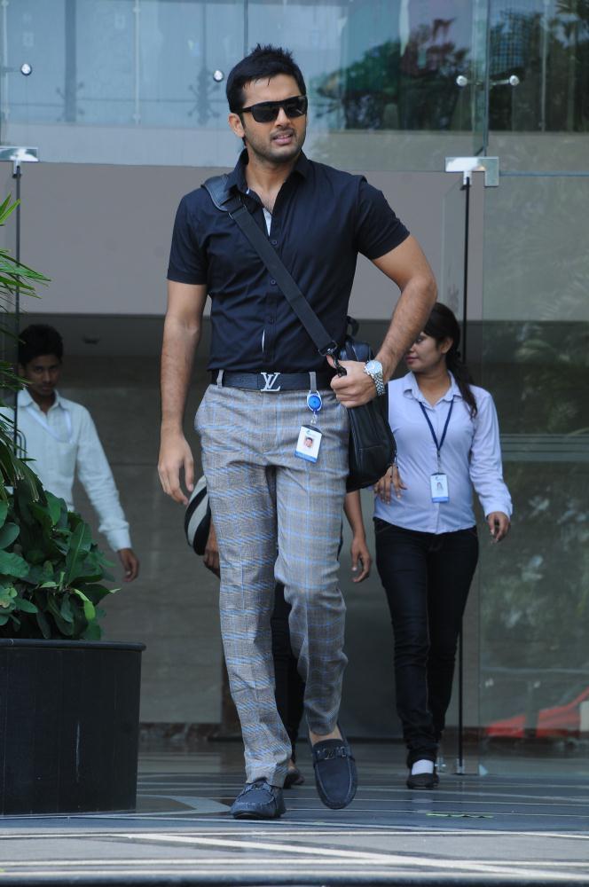 Nitin Stylish Look Photo Still From Movie Gunde Jaari Gallanthayyinde